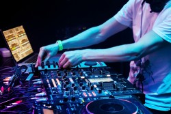 Our Top 5 Reasons Why We Love DJ'ing